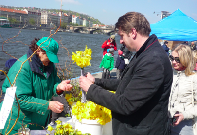 Prague Farmers Markets | Spring Blooms
