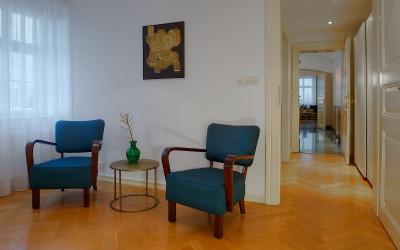 Кресла в спальне II