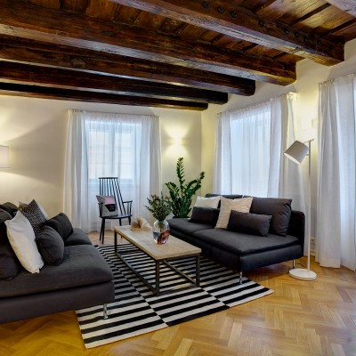 One-Bedroom Elegant Apartment