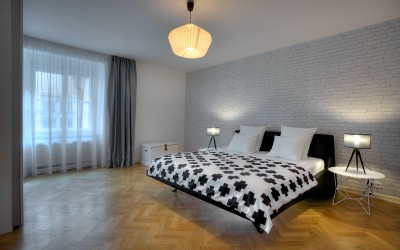 Large Bedroom