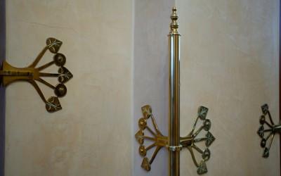 Mosazný detail. secesní interiér