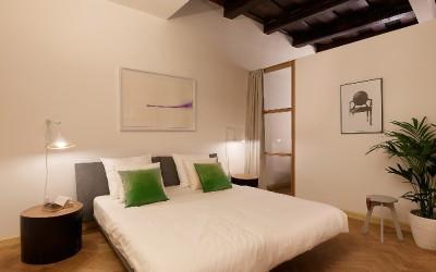 Спальня с стеклянными стенами