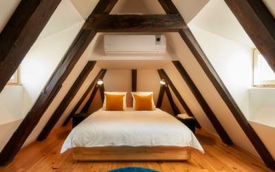 Cozy Attic Bedroom w/ Air-Conditioning