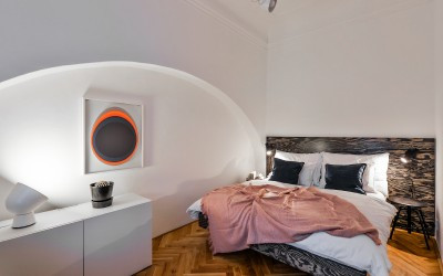Bedroom with Old Arch