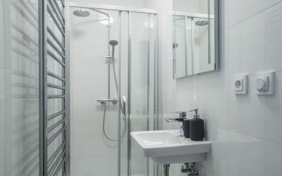 Second Bathroom (w/ Shower)