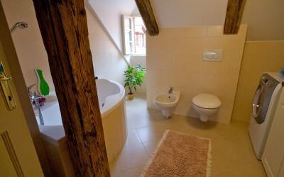 Corner Bathtub, Bathroom