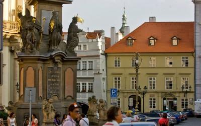 Mala Strana, Main Square