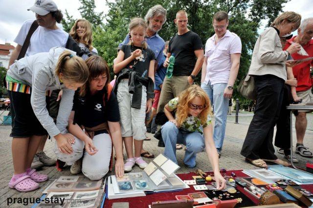 Stay com click for details outdoor flea markets bbt com click for