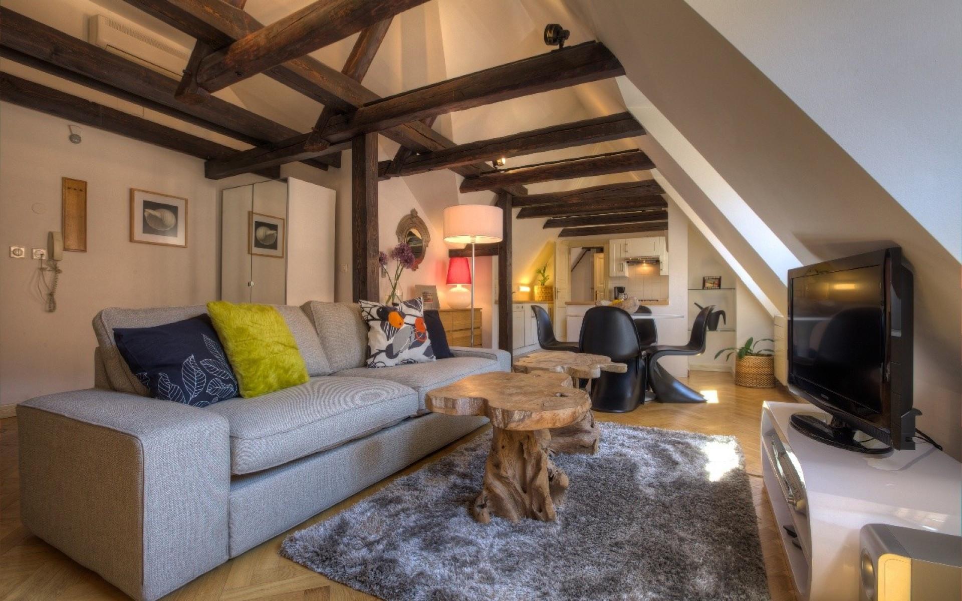 One-Bedroom Romantic Apartment